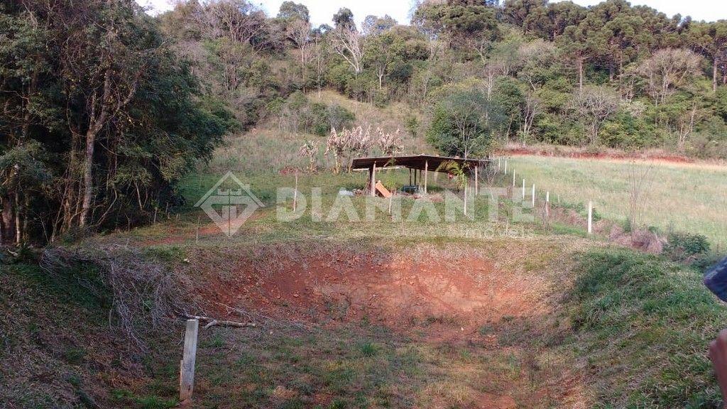 Chacrinha de 4.000 metros, em Condomínio Rural, no valor de R$ 80mil!