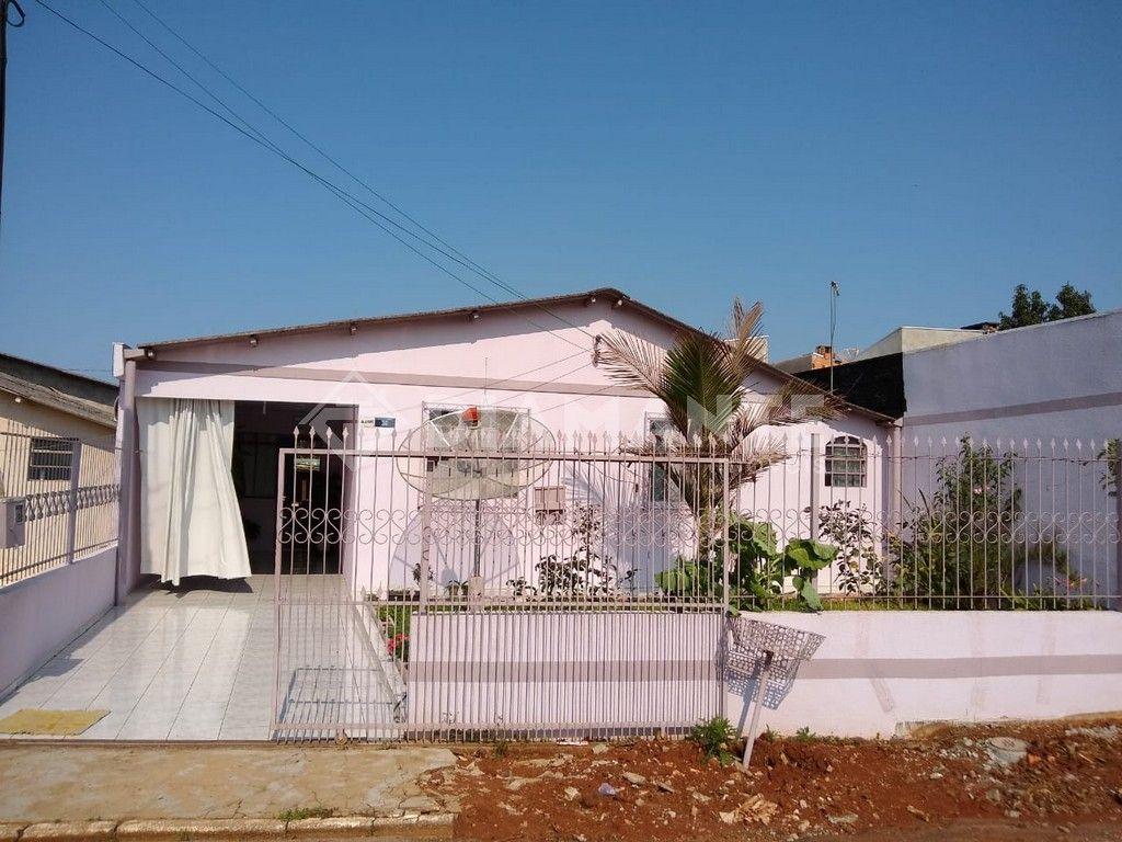 Casa de Alvenaria no Bairro Jupter, com 03 Quartos e Sobra de Terreno
