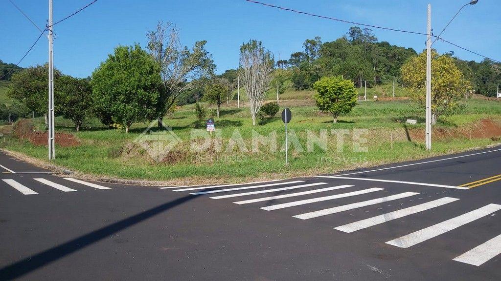Terreno de Esquina no Loteamento São José com 380,27 M²!!!