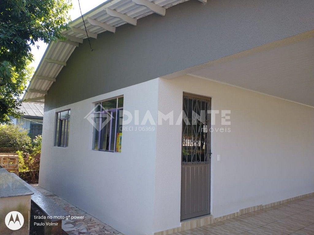 Casa com Terreno Amplo de 525 M², Aceita de Preferência Permuta por Sítio!