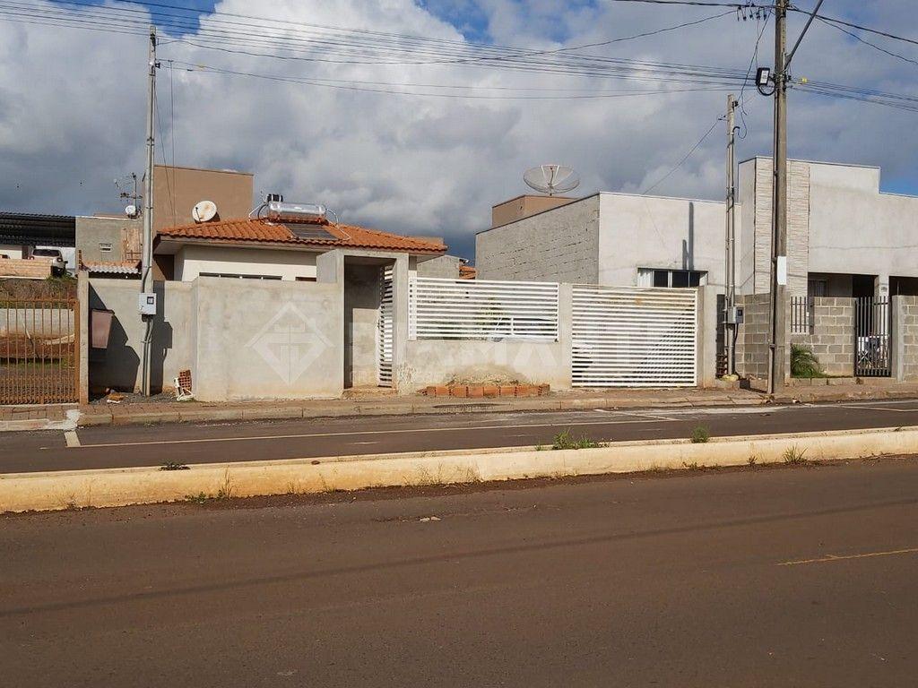 Casa em Alvenaria, 02 Quartos, Terreno Amplo com Edícula, Apenas R$180.000,00!