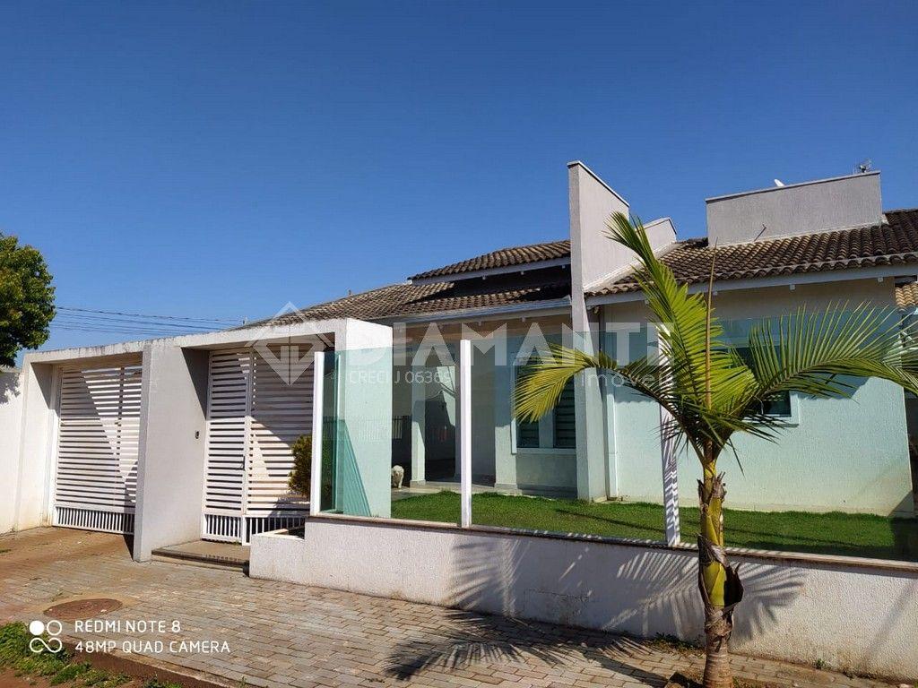 Bela Casa no Lago das Torres, Boa Metragem, Valor e Espaço de terreno disponível