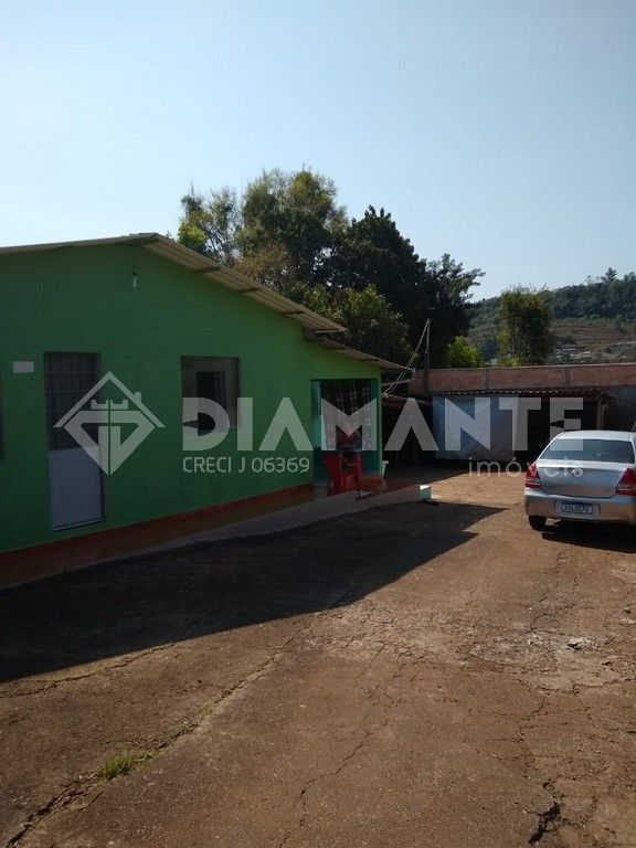 02 Casas de Alvenaria á Venda no Jd Seminário, Terreno com 557,52 M²!