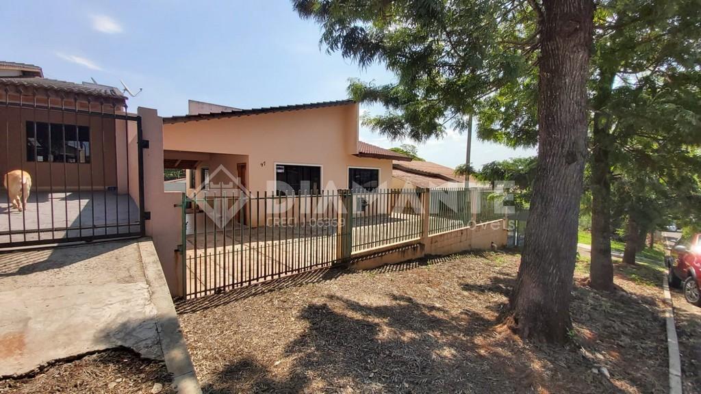 Ótima Casa no Bairro Jupter, com 01 Suíte + 02 Quartos, Terreno de 12x25!