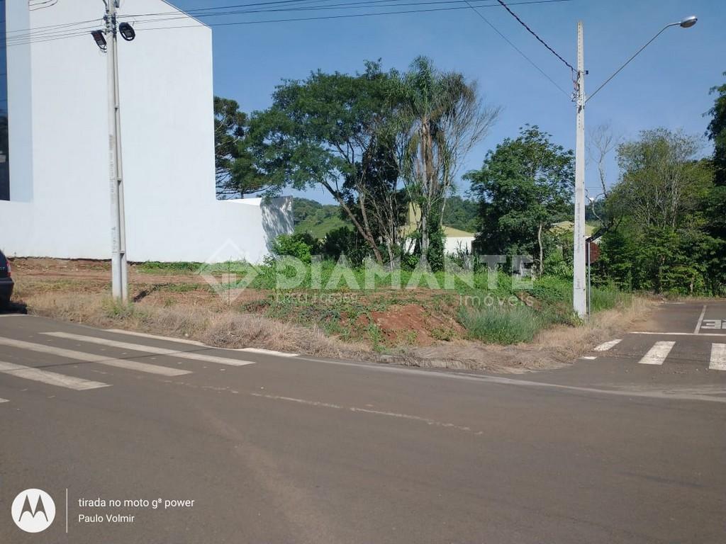 Terreno Amplo de Esquina, com 477, 17 M², Localizado no Loteamento Scotti!
