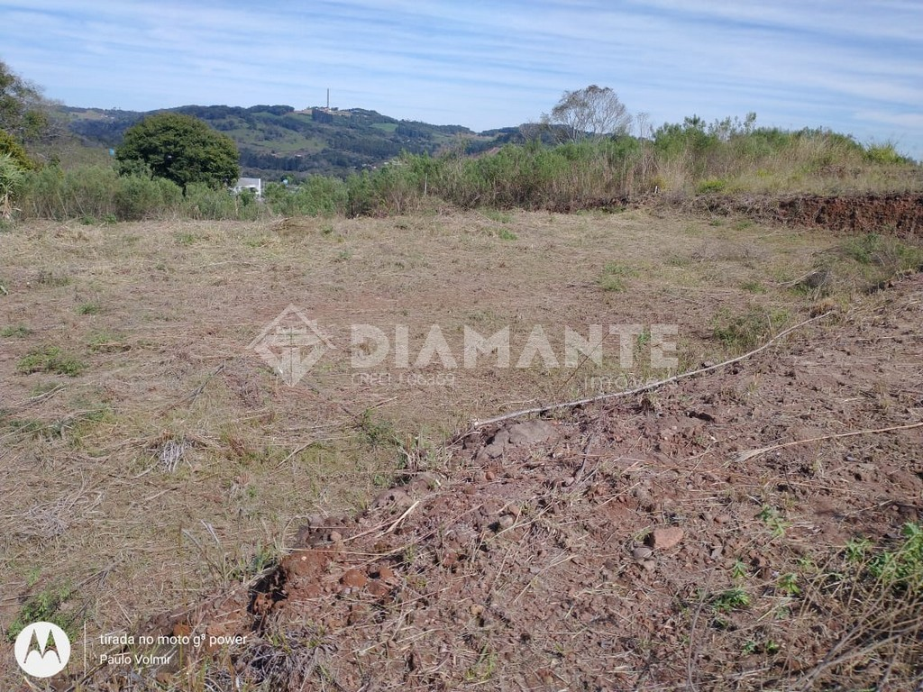 Terreno de Esquina no Lot. Buratto, com 403,43 M², Local Alto e Tranquilo!