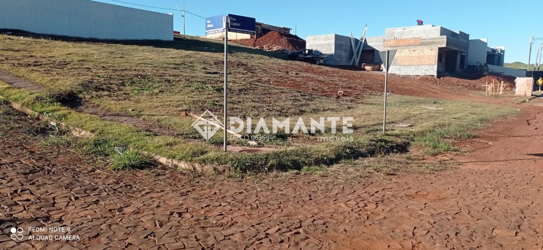Belíssimo Terreno de Esquina no Loteamento Vila Marini, Possui 13 M de Frente!