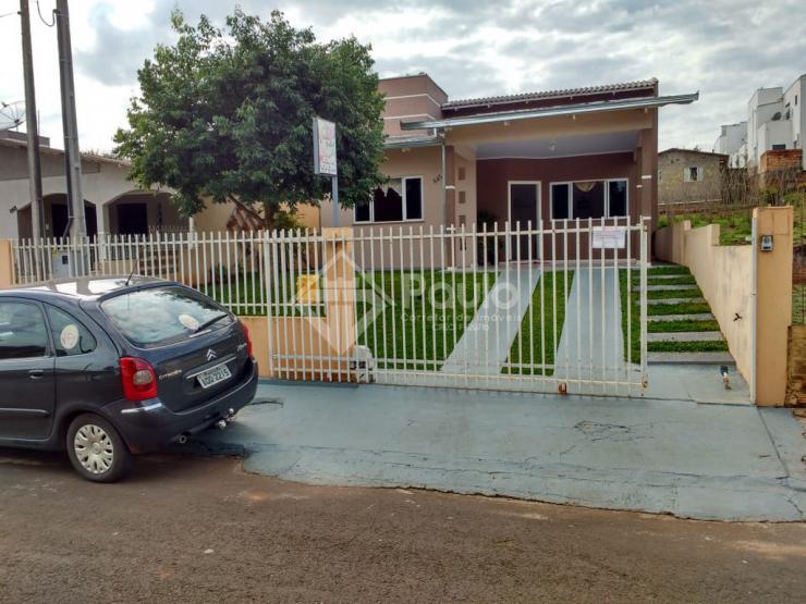 Casa em Alvenaria com Boa Localização, BAIXOU de R$420mil por R$400mil